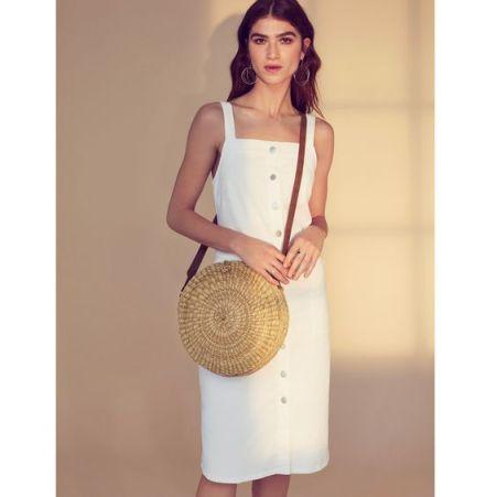 Le classique de cette été, une robe droite à boutons